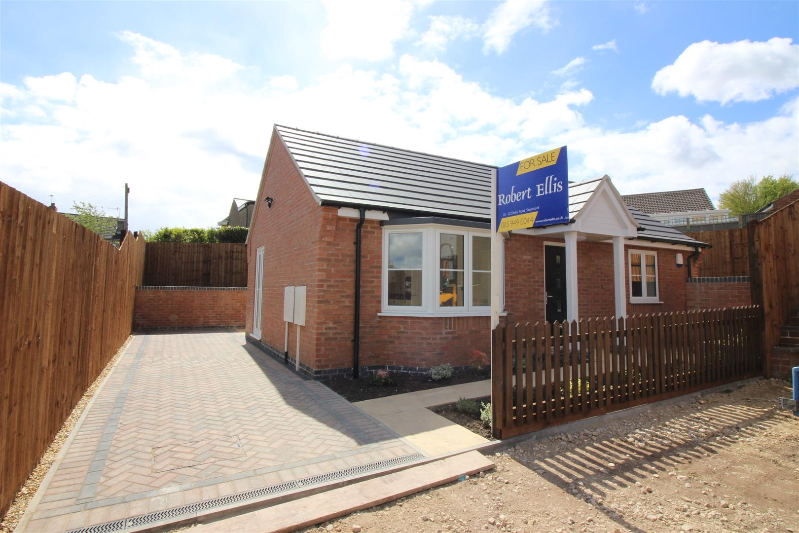 2 Bedrooms Bungalow for sale in Tennyson Street, Ilkeston